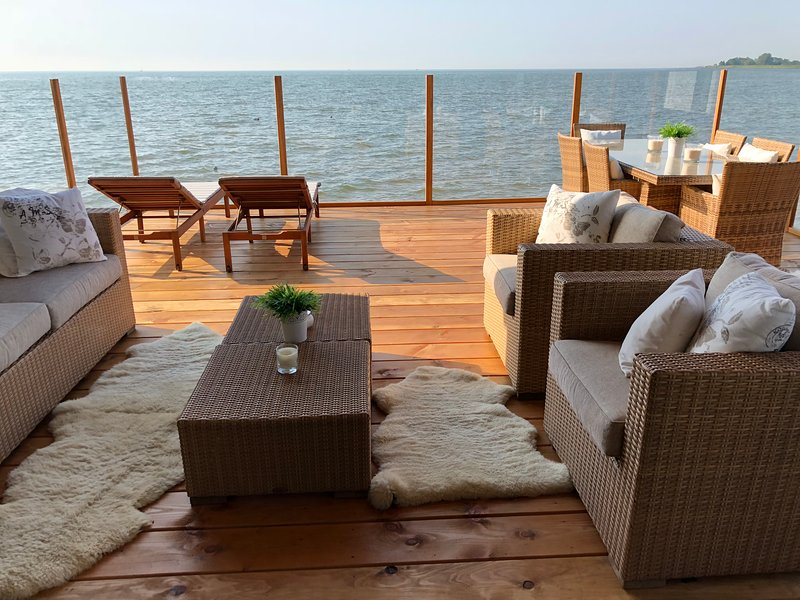 Your own terrace located on the Markermeer with this fantastic view