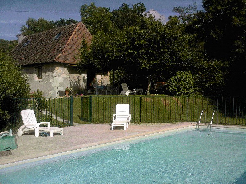 Beautiful house with swimming-pool, casa vacanza a Sarliac-sur-l'Isle
