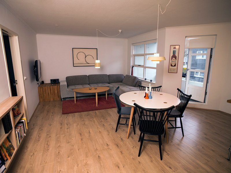 Great central apartment in the heart of Reykjavik, vacation rental in Seltjarnarnes