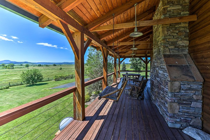 Spacious Spearfish Home on 40 Acres w/Private Lake, holiday rental in Spearfish