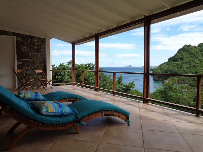 Villa Poseidon Grenada, location de vacances à Saint Andrew Parish