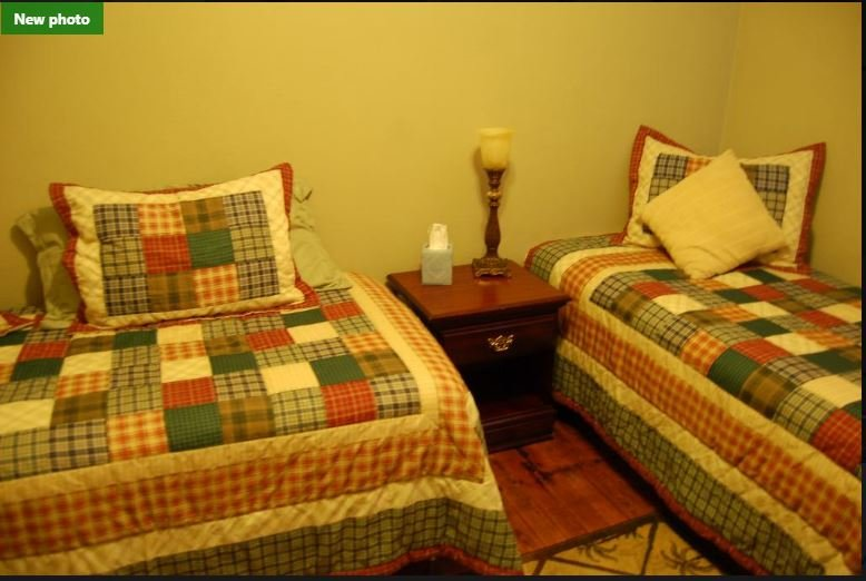 Double Single (One), holiday rental in Empire