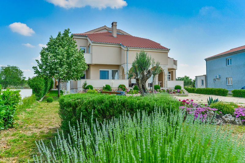Holiday Home Olive Garden, holiday rental in Stankovci