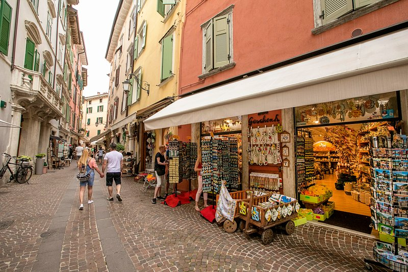 Appartamento Centro Storico Riva, alquiler vacacional en Riva Del Garda