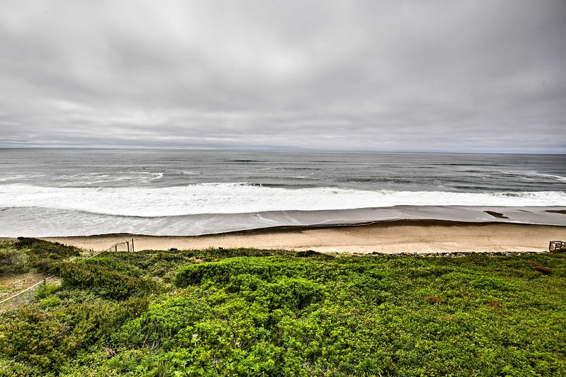 Escape the hustle and bustle of everyday life at this Lincoln City vacation rental!