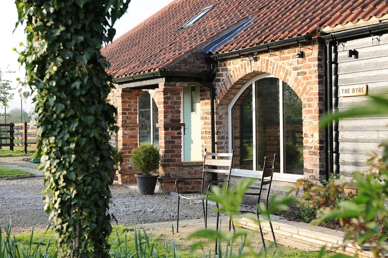 The Byre at Old Low Moor Farm, holiday rental in Knayton