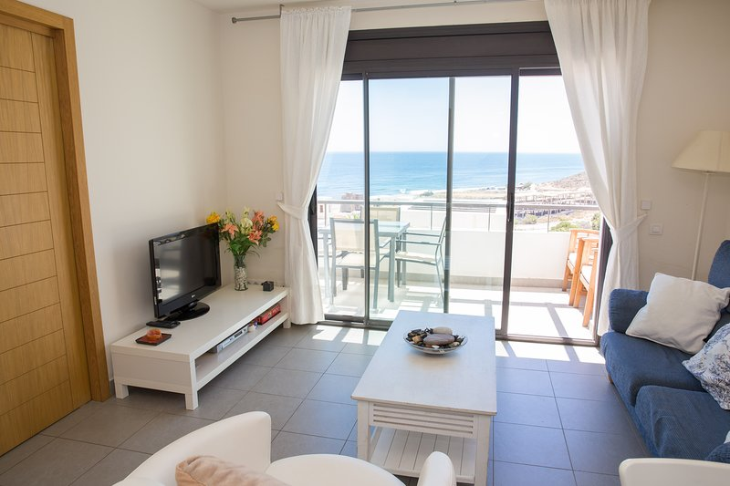 2 Bedroom, 2 Bathroom with Stunning Sea Views, holiday rental in Playa Macenas