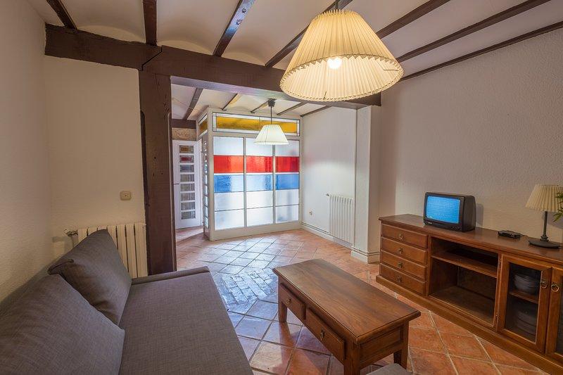 CASA COVALAGUA, holiday rental in Valdeprado del Rio
