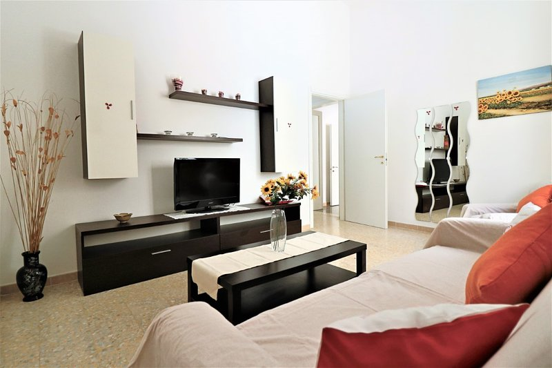 Air-conditioned holiday home in Casarano in Salento a few km from the white bea, holiday rental in Supersano