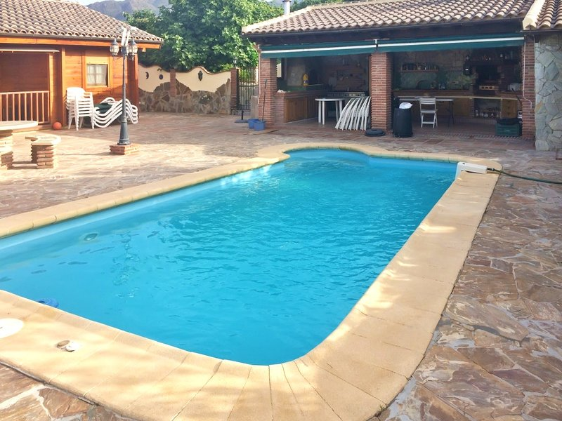 Amazing villa with swimming-pool, holiday rental in Coin