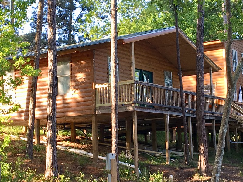 Beau Beautiful Waterfront Cabin #3 On Lake Livingston Texas
