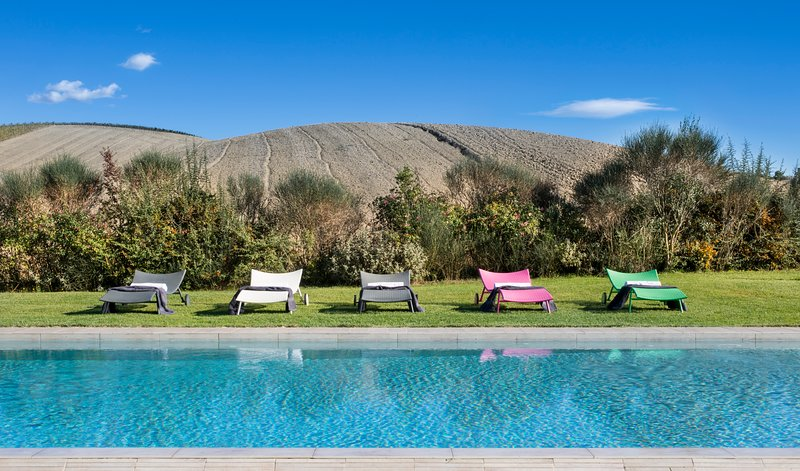 Six person villa in Montalcino with private pool and airco, vacation rental in Vergelle