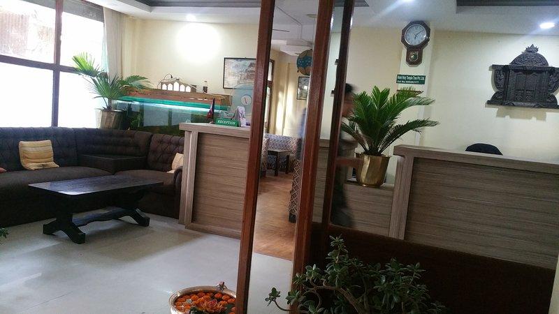 Hotel Holy Temple Tree & Chautari cafe with Bar, holiday rental in Nagarjun