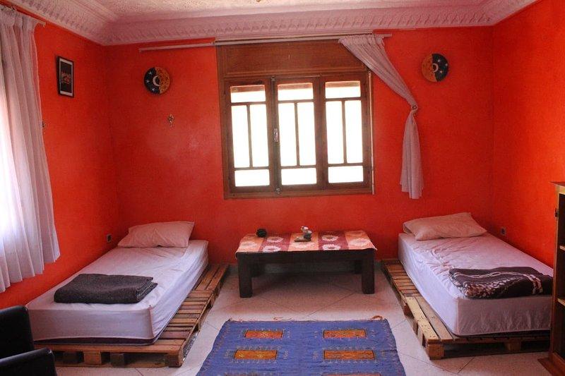 Nomad Surf House (Private Room 1), location de vacances à Tamraght