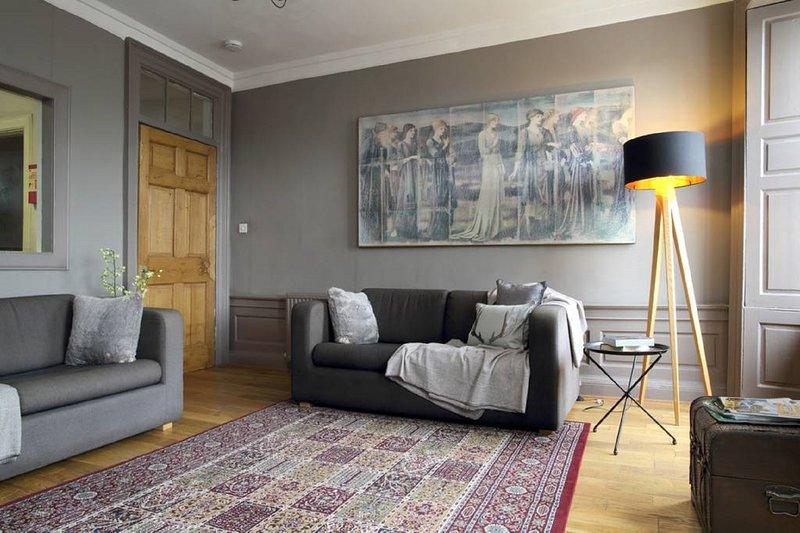 Grassmarket/West Bow Apartment, vacation rental in Edinburgh