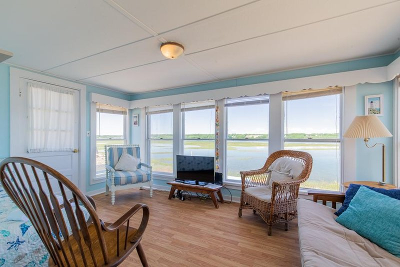 Dog Friendly Cottage W Amazing Sunset Views Across The