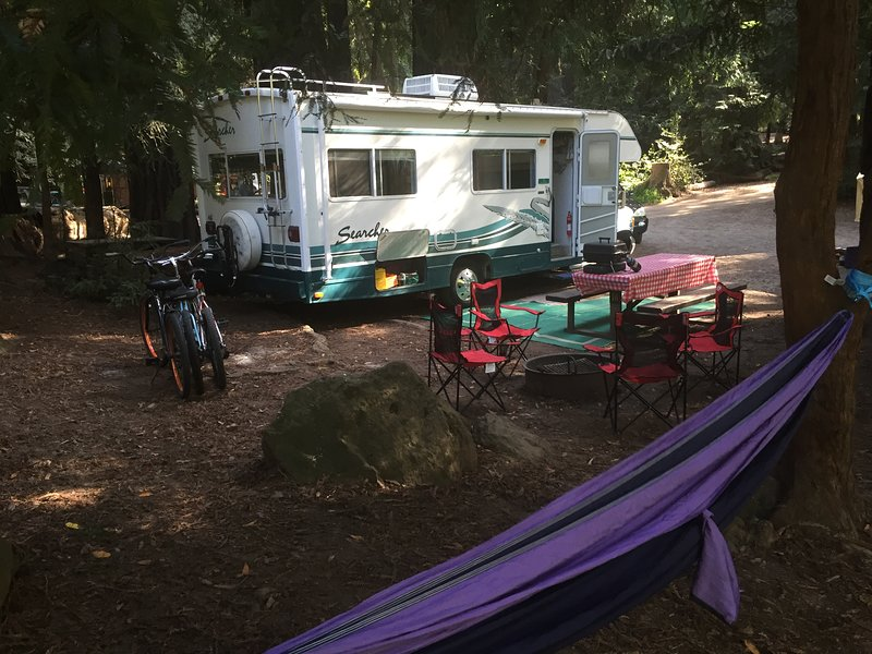A Totally Loaded RV for Rent or Delivery to Enjoy Monterey Bay + Big Sur Areas!!, holiday rental in Scotts Valley