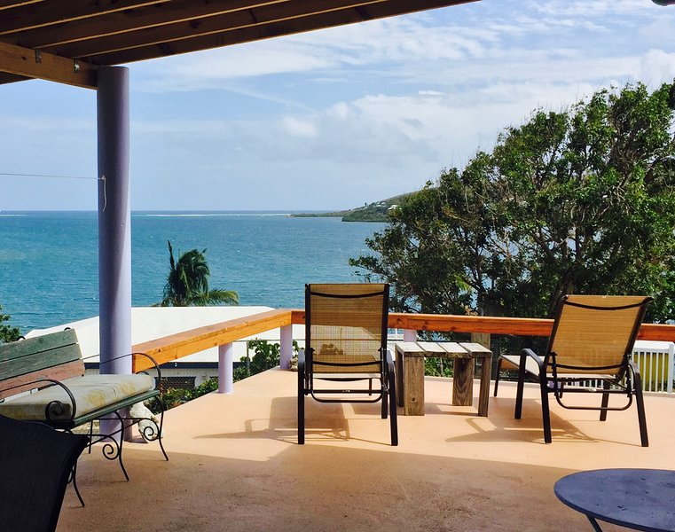 Casa SuMarco, Culebra / Sweet 2 BR House with Fantastic View & Cool Breeze, holiday rental in Culebra