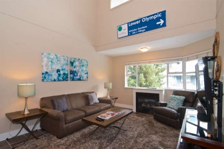 Professionally managed/ cleaned by iTrip Vacations: Fully REMODELED top Floor un, holiday rental in Whistler