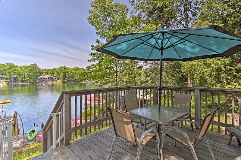 Book your Lake escape to this quaint 1-bed, 1-bath vacation rental cabin.