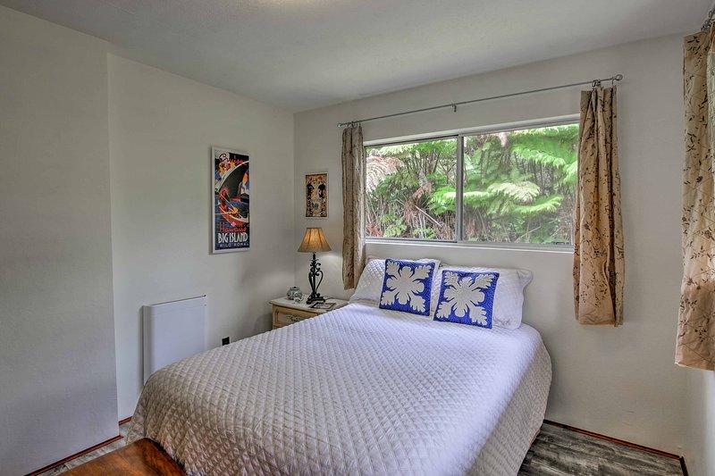 El principal tiene una cama acogedora y un montón de luz del sol.