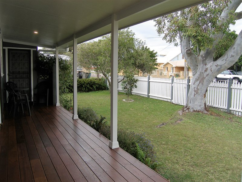Toowoon Bay Cottage - Central Coast, NSW Australia, holiday rental in Ourimbah
