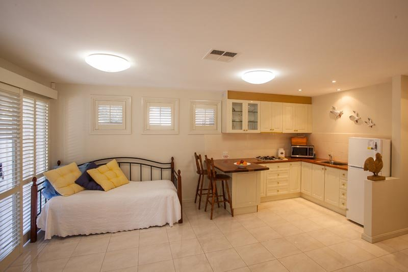One Bedroom, Modern Appartment Opposite Little Lake and the Beach at Barrack Pt., casa vacanza a Windang