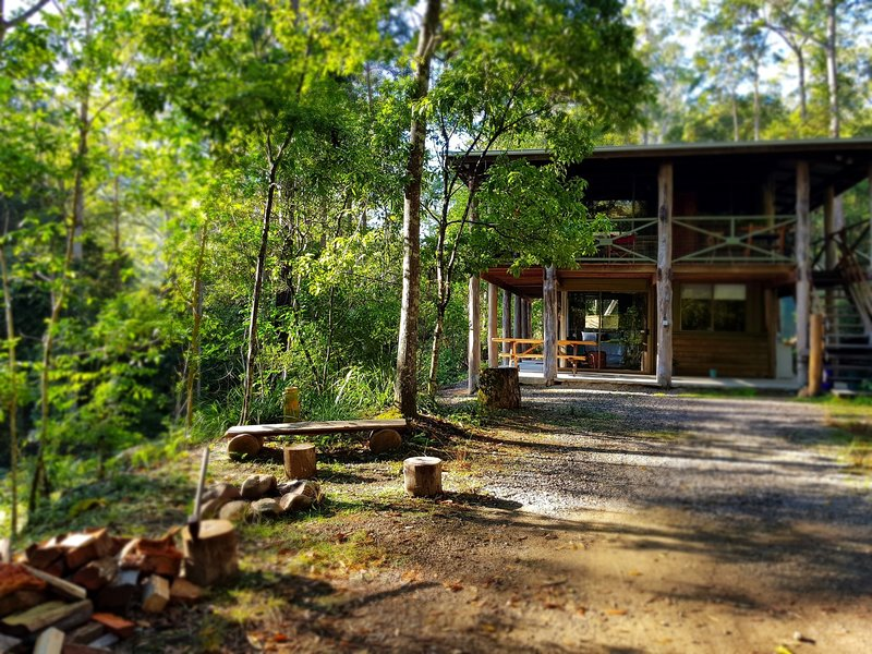The Gum Leaf Cabin. Carawirry Forest Escape., holiday rental in Fosterton