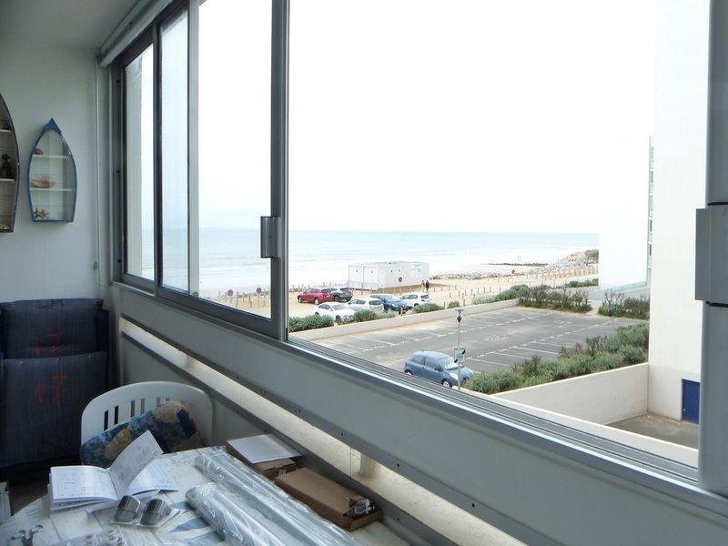 studio à louer au bord la plage des becs, casa vacanza a Saint-Hilaire-de-Riez