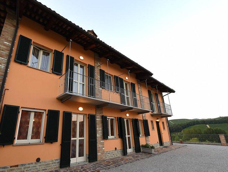 Residenza Albatros - Baudelaire, vacation rental in Verduno