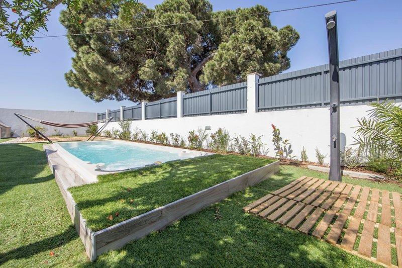 Big villa with swimming-pool & Wifi, location de vacances à Montijo