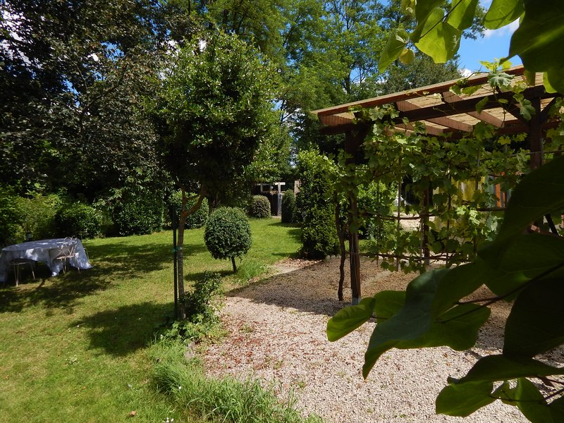 chambre dhotes a theme proche bergerac, holiday rental in Bergerac City