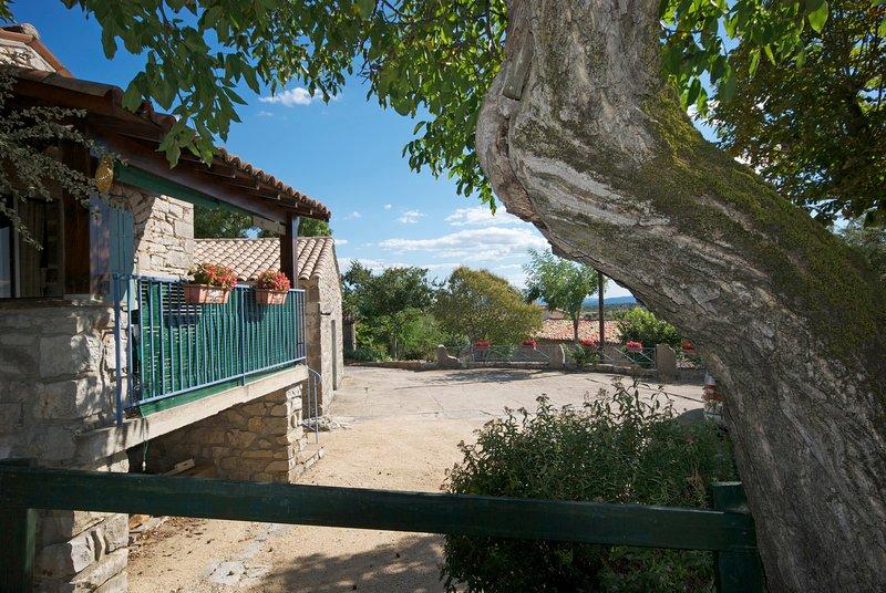 Le Fialage au Mas de la Bastide, location de vacances à Joyeuse