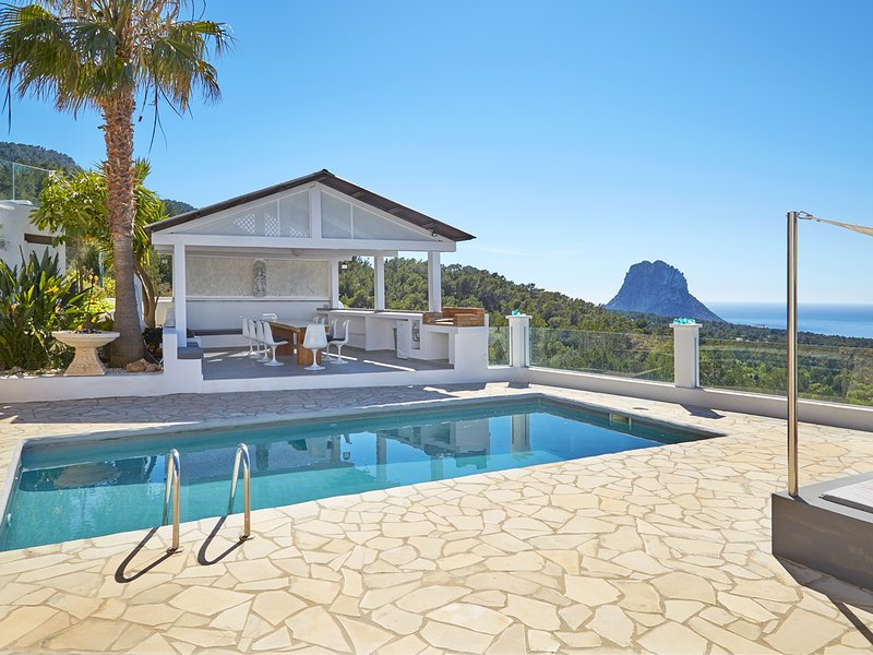 Schicke Villa mit tollem Meerblick 041, vakantiewoning in Cala Carbo