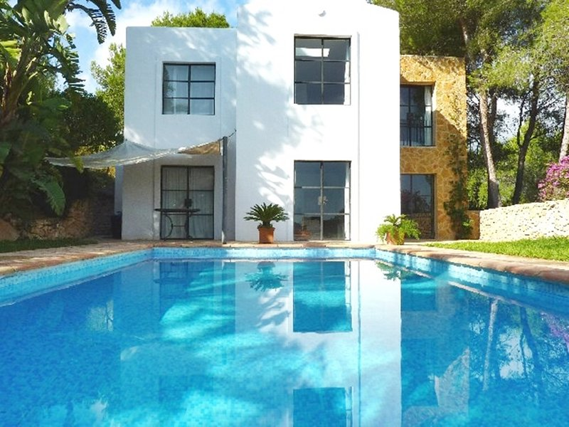 Hübsches Haus in der Nähe des Golfplatzes 173, location de vacances à Roca Llisa