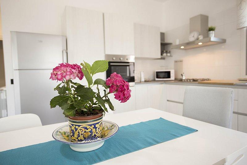 Casa Nella al mare: villa con giardino per 8 perso, holiday rental in Vita