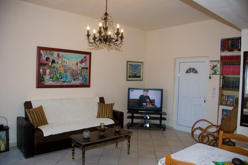mary's seaside garden house, holiday rental in Skafidaras