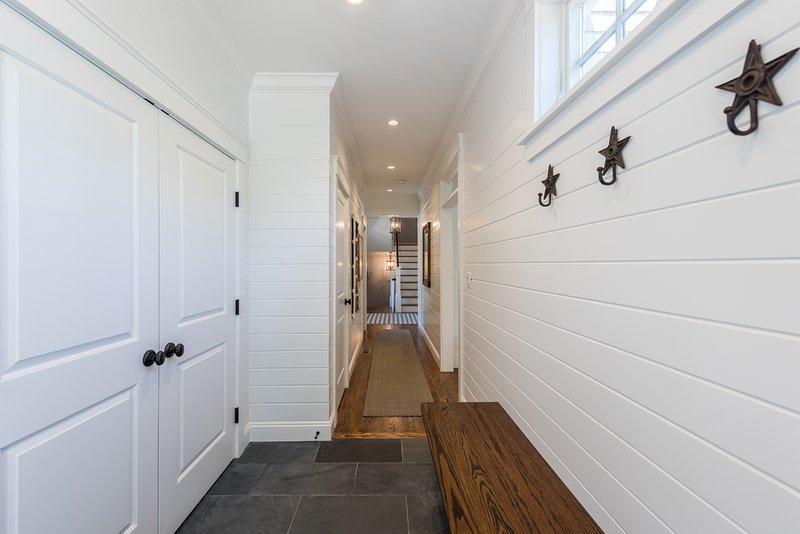 Hall d'entrée, zone séparée du centre de blanchisserie