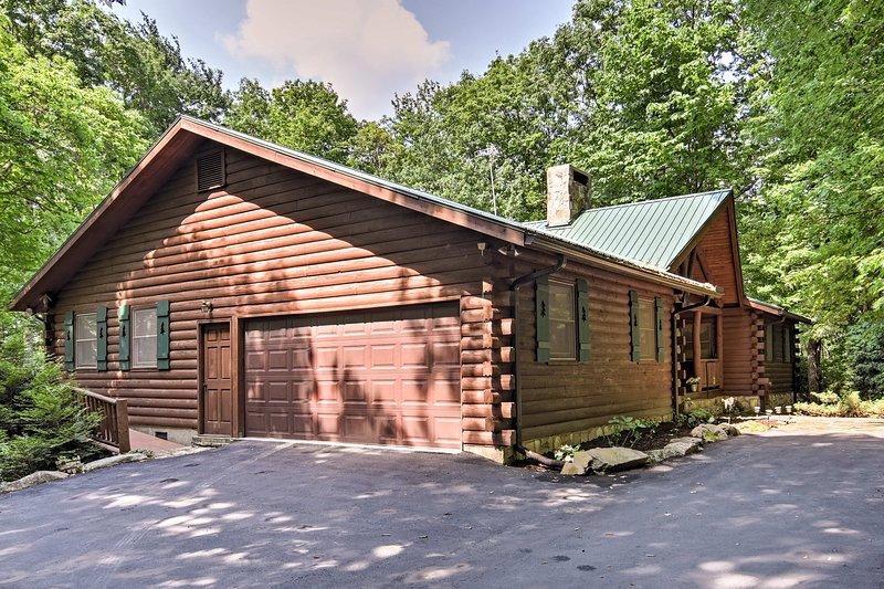 Encontre a paz em 'Mountain Laurel Lodge!'
