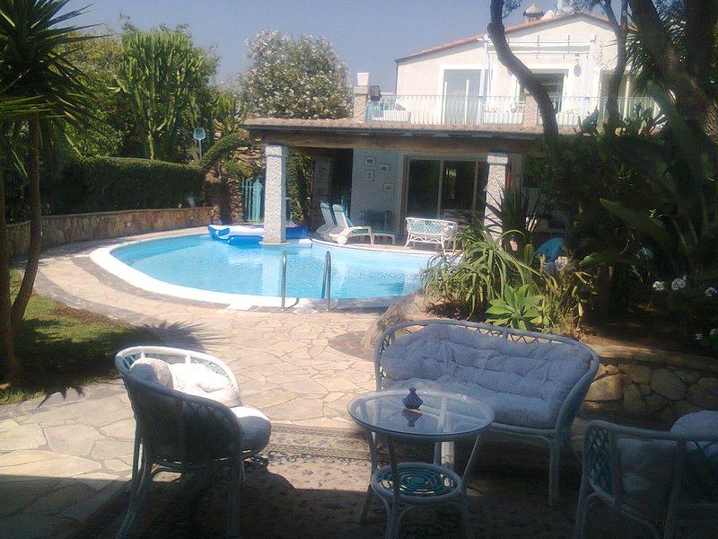 Villa lanthana, molto accogliente, confortevole su 2 piani, indipendente, holiday rental in Torre di Bari