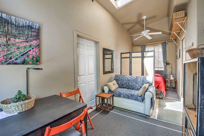 Enjoy a comfortable stay in central Prescott, Arizona!