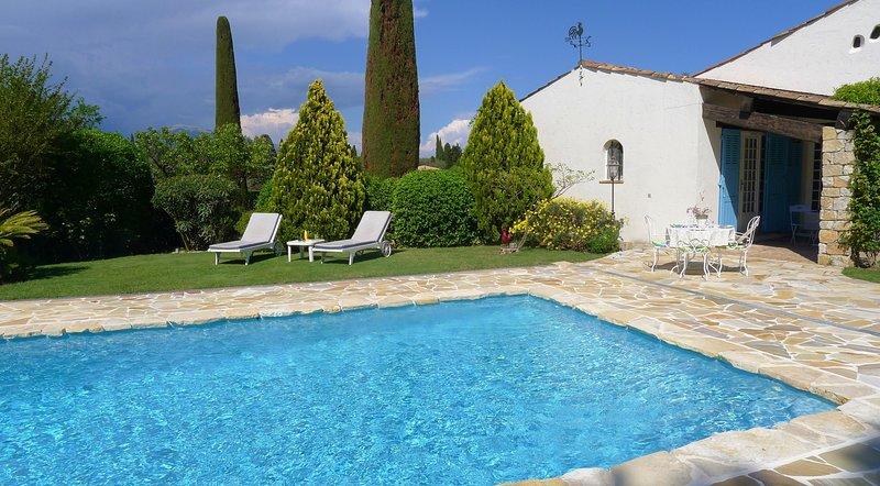 MAS ST CHRISTOPHE VI3059 by RIVIERA HOLIDAY HOMES, location de vacances à Valbonne