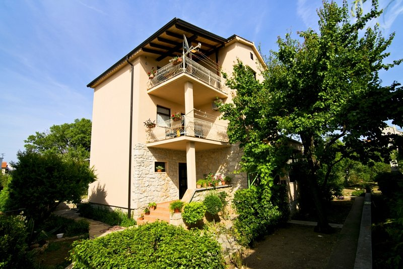 Murter-Apartment Frane, vacation rental in Betina