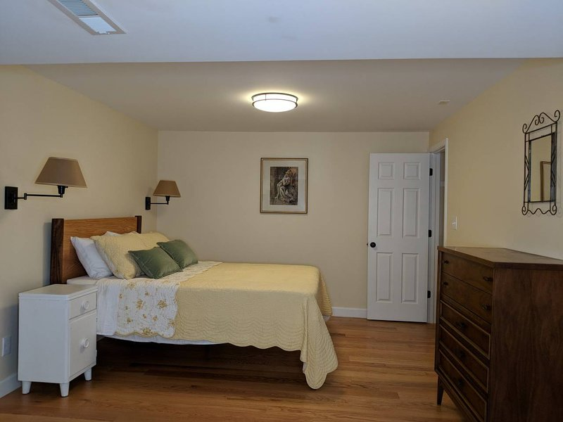 Garden-Level Guest Suite (9 min to downtown), holiday rental in Woodfin