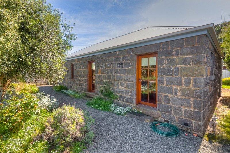 Breakfast Creek Cottage, vacation rental in Killarney