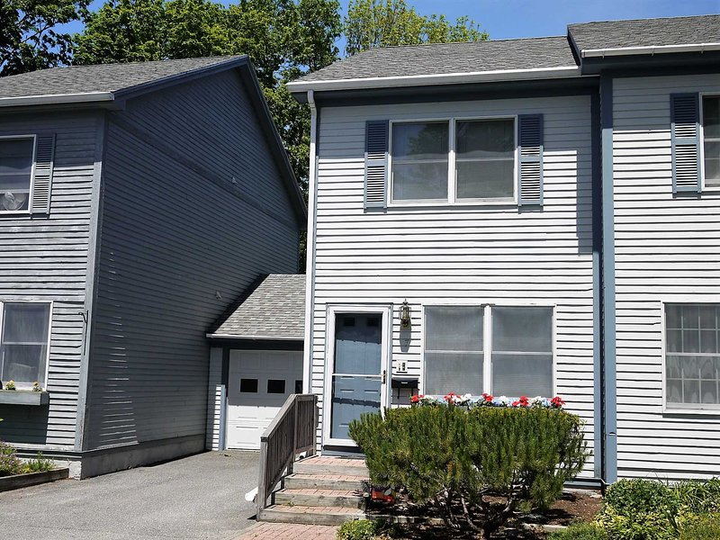 Cottage Street Townhouse In The Heart Of Bar Harbor