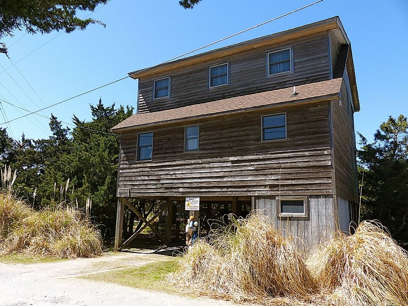 At Last- Great property for a family getaway! Pet Friendly, aluguéis de temporada em Ocracoke