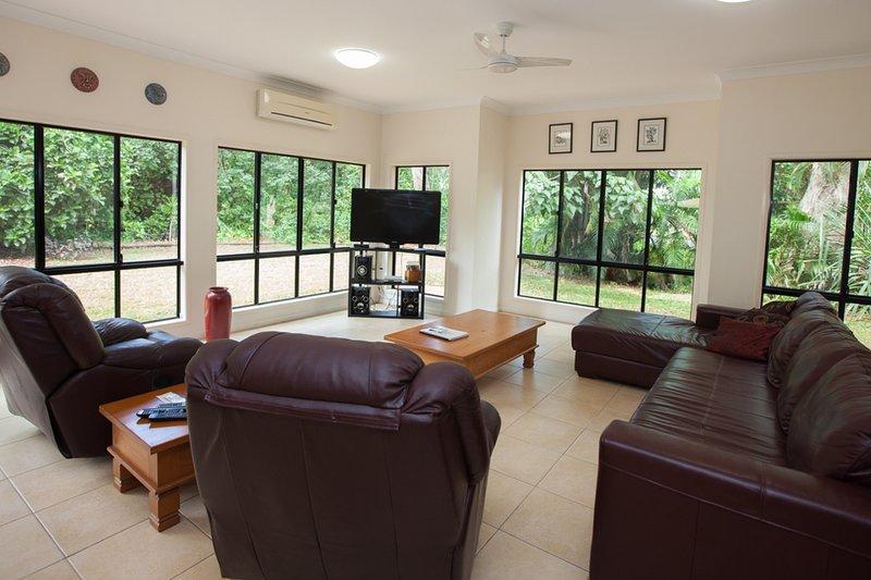 Sundowner, vacation rental in Bingil Bay
