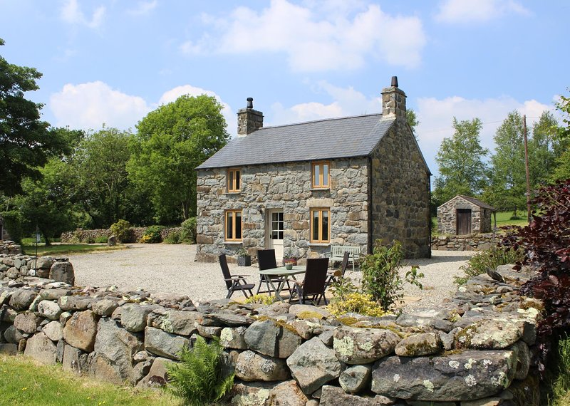 Farm Cottage, Tyddyn y Felin, holiday rental in Dolbenmaen