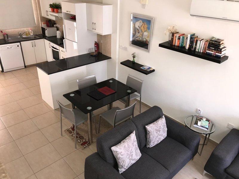 Limassol Star 2BR townhouse, vacation rental in Parekklisia